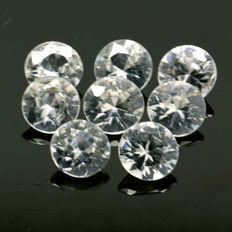 8 White Zircons - 5.18 ct (Total)