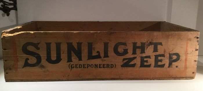 Old wooden box for Sunlight Soap - Middle of 20th century