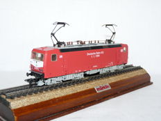 Märklin H0 - 83443 - Electric locomotive BR 143 of the DB(AG)