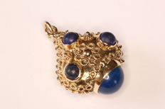 Napoleon III pendant in 18 kt gold set with lapis lazuli
