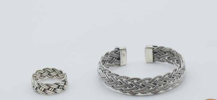 Sterling silver Bracelet with Ring  - bracelet size  : 6 x 5.5 cm approx