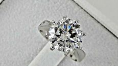IGL 3.79 ct round solitaire diamond ring in 14 kt gold - size 6
