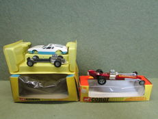 Corgi Toys - Scale 1/43 - Ghia 5000 Mangusta with De Tomaso Chassis No.271 and Santa Pod Raceways Commuter Dragster No.161