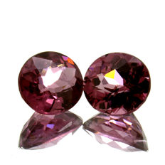 Two Pink Malaya Garnets - 1.92 ct in total. - No reserve price