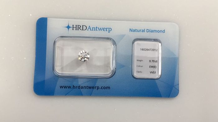 0.70 brilliant cut diamond, colour E, VVS1 clarity, HRD High Council VG EXC VG