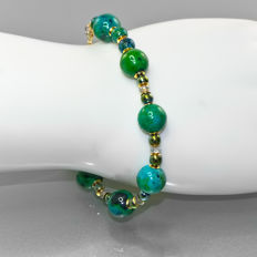 Chrysocolla bracelet with Sapphires about 2 carat total weight – Length 20.5 cm, 14kt/585 yellow gold clasp