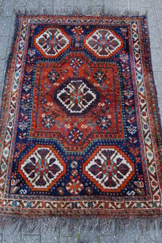 Antique nomadic Persian Qashqai rug, 153 x 112 cm