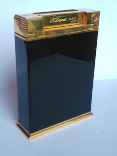 S.T Dupont lighter Jeroboam collection, gold plated / black Chinese lacquer