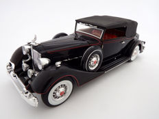 Anson Prestige Edition - Scale 1/18 - 1934 Packard Twelve Convertible Victoria by Dietrich