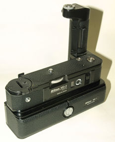 A Nikon MD-3 motor drive no. 531714 and battery pack MB-1 for the Nikon F2.