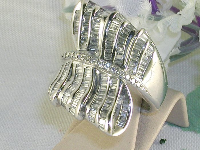 Women's ring set with diamonds, 3.80 ct - ring size 55 / 17.5
