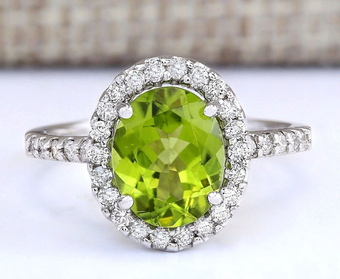 carat peridot and diamond 14k solid white gold ring. Black Bedroom Furniture Sets. Home Design Ideas