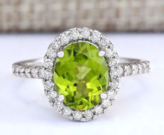 3.03 Carat Peridot and Diamond 14K Solid White Gold Ring *** Free shipping *** No Reserve *** Free Resizing ***