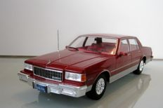 MCG - Scale 1/18 - Chevrolet Caprice Classic Sedan 1985 - Red