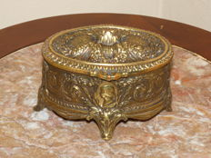 Bronze box with medallion of a lady - France - 1900