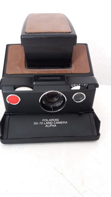 1. Polaroid SX 70 Land Camera 70s