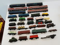 Fleischmann/Lima/Jouef - A large number of wagons and some dummy locomotives