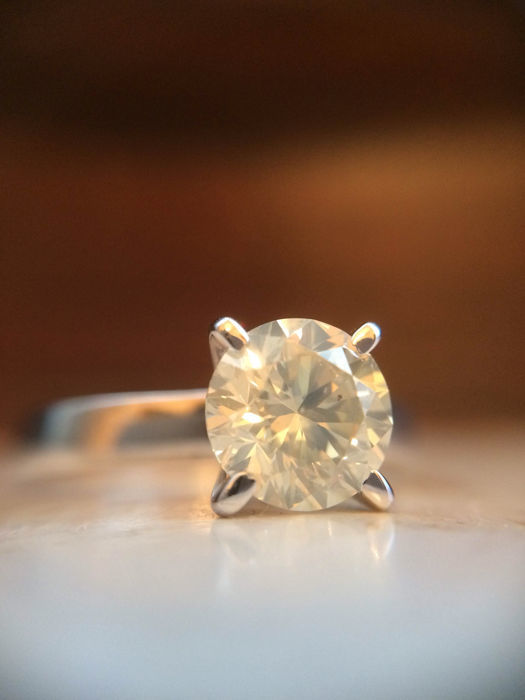 Engagement ring - Gold - Round solitaire diamond 1.02 ct LOW RESERVE PRICE