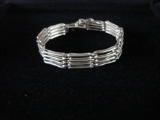 Art Deco openwork silver bracelet with double links (Machine Age)