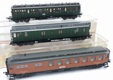 Fleischmann H0 - 5081/5087/5088 - Three passenger carriages of the DRG