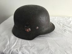 Duitse Helm M-35WO2,Decal. Wehrmacht