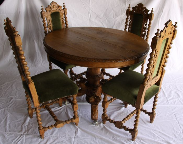 Oak Hunting Table With Four Chairs In Neo Renaissance Style, Late 19th  Century