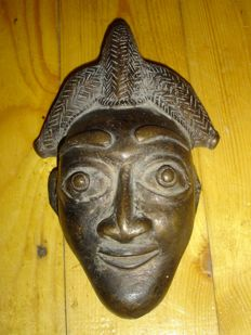 Little mask - BAMILEKE - Cameroon