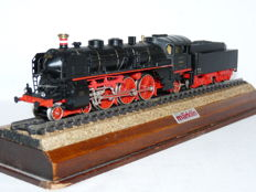 Märklin H0 - 3518 - Steam locomotive with tender Series BR 18.4 of the Deutsche Reichsbahn Gesellschaft (DRG)