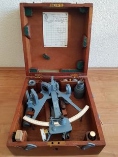 A British Royal Navy WWII micrometer sextant - Henry Hughes & Son Ltd - ca. 1940