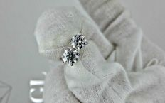 1.50 ct round diamond stud earrings 14 kt white gold