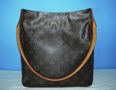 Louis Vuitton –  Looping GM –  Shoulder bag