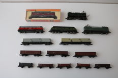 Piko/Arnold N - 5 different defective locomotives + 10 different goods wagons most of the   DB.