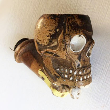 Skull - clay pipe - L.F. Fiolet - Approx 1880