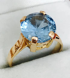 3ct Swiss Blue Topaz set in 18K Rose Gold fully hallmarked