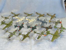 18 x assorted Corgi 1:72nd scale model diecast aircraft complete with stands.