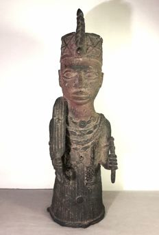 Bronze figurine of a king - IFE - Nigeria