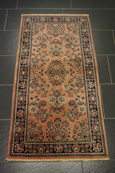Magnificent hand-knotted Indo Sarouk 75 x 145 cm Made in India, end of the 20th century