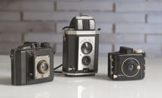 Lot of three vintage cameras, 1950