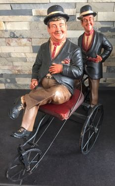 Vintage Laurel & Hardy sculpture, very decorative and special