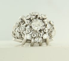 18 kt white gold ring set with 13 old Amsterdam cut diamonds