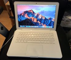 Apple MacBook 320gb hdd 4gb ram 2.4ghz 13.3in screen no charger.