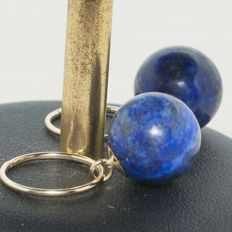 Hoop earrings of 18 kt Gold with pendant lapis lazuli stone