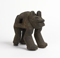 Wooden statue of a panther (' lekat '), exhibited and published - BANGWA (Bamileke) - Cameroon