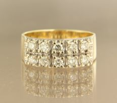 SSA Dolph 11-12 *******NO RESERVE PRICE*****14 kt bicolour gold ring set with 10 brilliant cut diamonds, approx. 0.60 ct in total