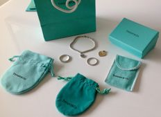 Tiffany & Co - set of bracelet, pendant and 2 rings by Tiffany & Co