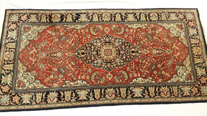 Gorgeous very fine hand-knotted Chinese Sarough rug with a splendid appearance unique design, very soft Kork wool on silk, 700,000 to 800,000 knots/m²– (208 cm x 101 cm)