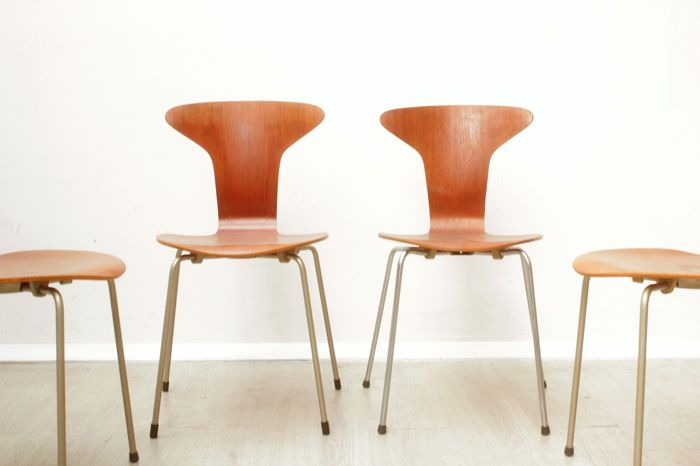 arne jacobsen chairs for fritz hansen set of four mug chairs