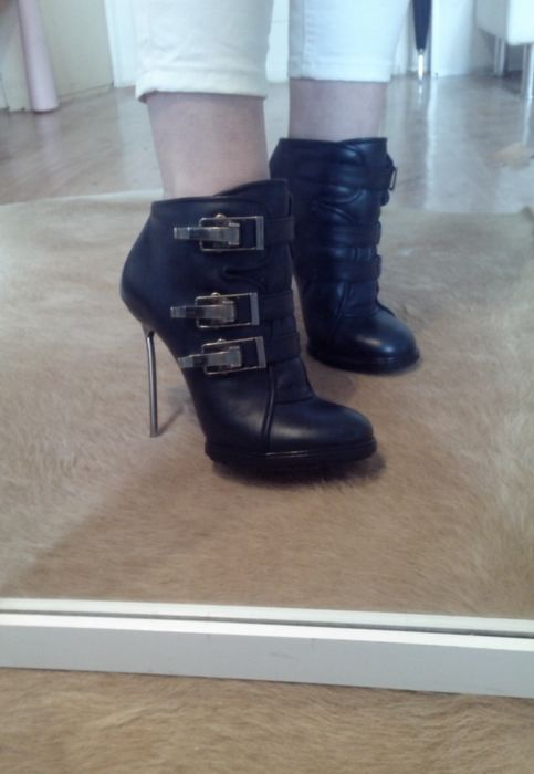Bally - Exclusive leather ankle boots
