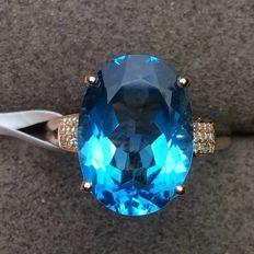 18 KT gold Ring 3.11G set with 7.55 ct Topaz and 0.08 ct Diamonds - Size: 6.75US - Free Resizing