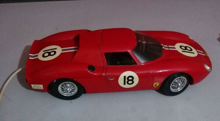 Paya, Spain - length 43 cm - Ferrari in plastic with battery motor 250 LM, of the 60s